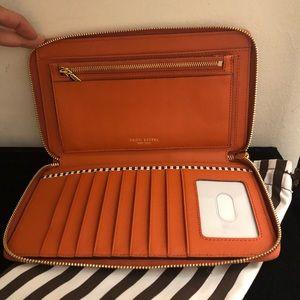 Henri Bendel large Wallet Zip Around NWOT